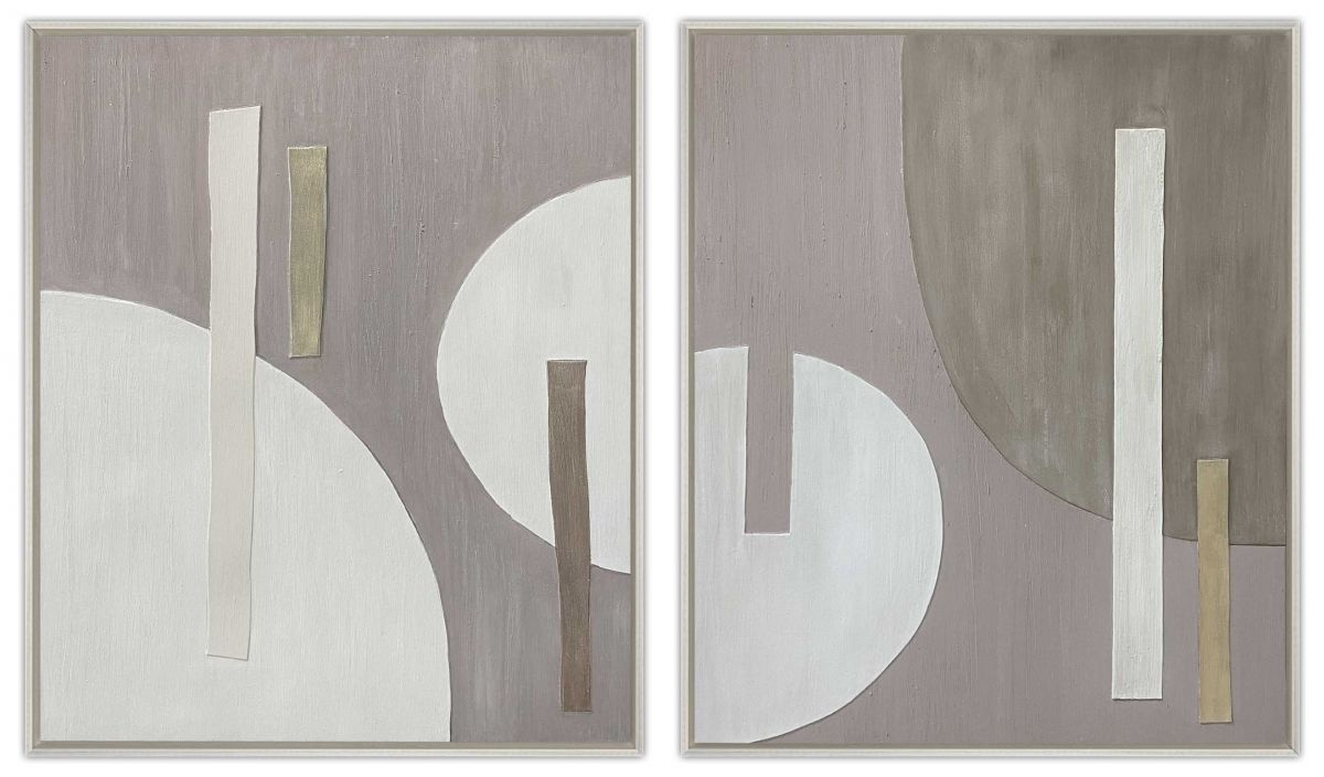 Nokih in a standard off white 'L' shaped frame